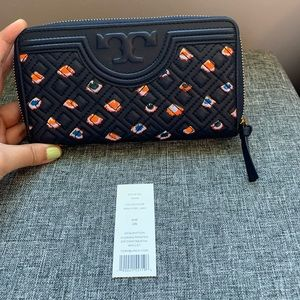 NWT Tory Burch Fleming Continental wallet